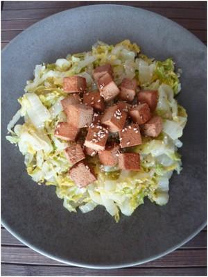 Chou chinois au tofu et au sésame