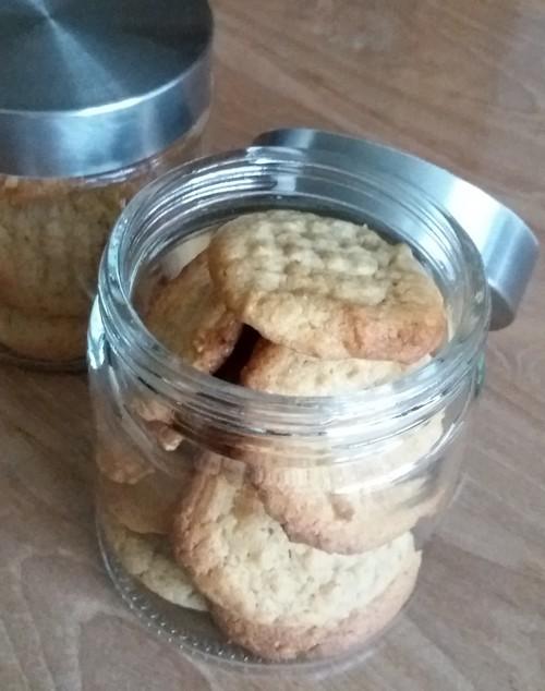 Bocal de cookies au beurre de cacahuète