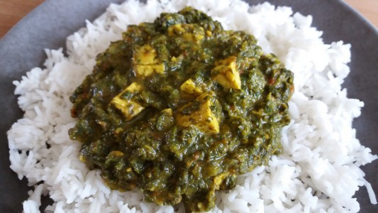 Tempeh en sauce épinards coco curry