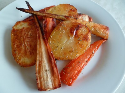 Pommes de terre, panais et carottes rôtis