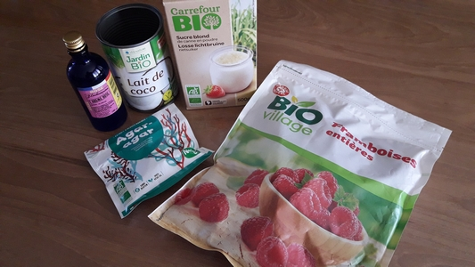 Ingrédients pour panna cotta à la rose